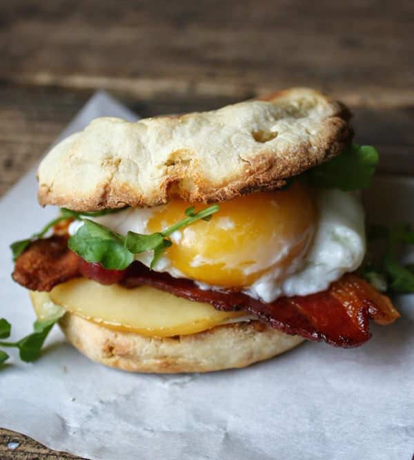 Bacon-Egg-Smoked-Gouda-Breakfast-Sandwich