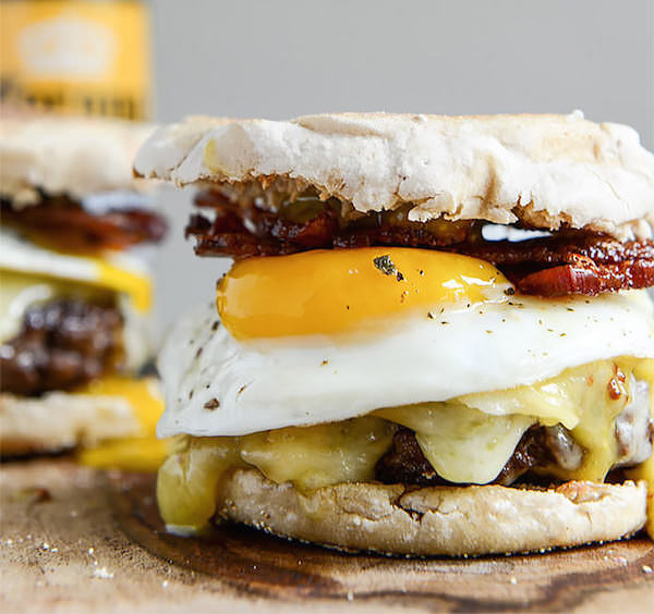 Breakfast-Burgers-with-Maple-Aioli