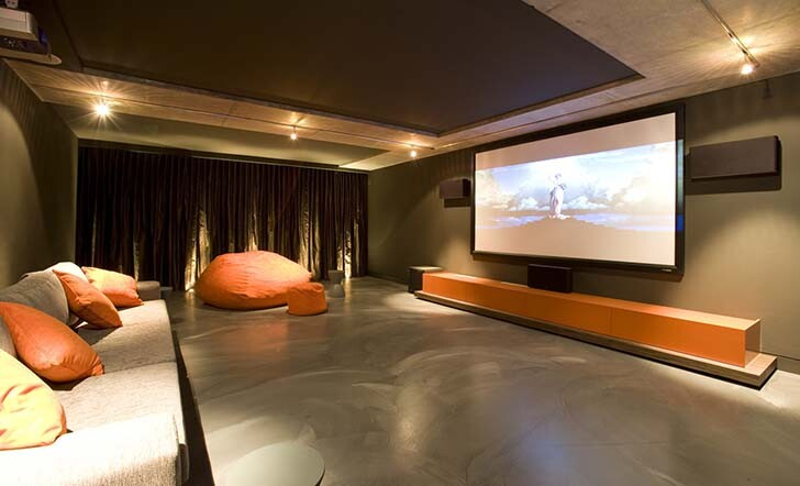 4_-_Amazing_Home_Cinemas_for_Your_Home
