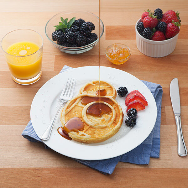 Jgsh sw bb 8 waffle maker inuse