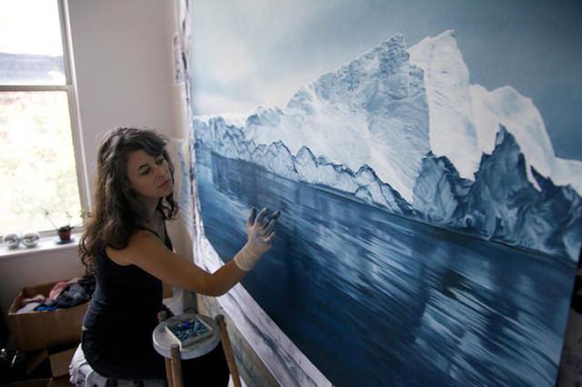 「波の写真」に見えるが手描きなのか…Zaria Formanのリアルすぎるイラストアート