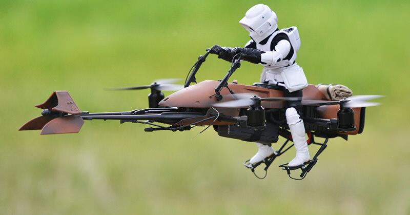 実際に飛行するスター・ウォーズのスピーダーバイクが作られた!(ただし1/6のサイズ)