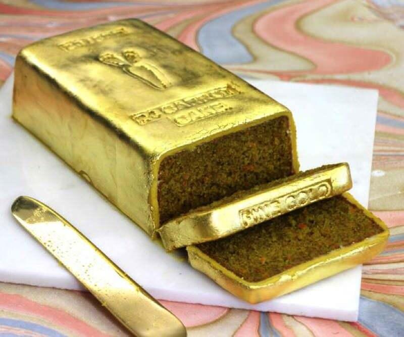 金の延べ棒のような「24キャロットケーキ」がすっごい高そう!