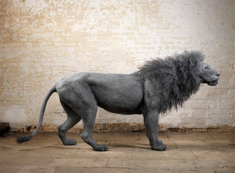 金網を使って動物を再現したKendra Hasteのアート