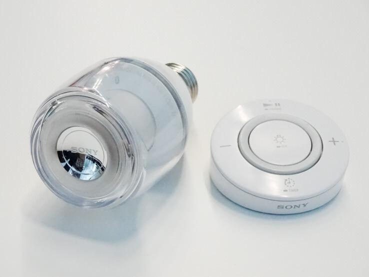 SONY、LED電球とスピーカーを一体化したLED電球スピーカーを発売