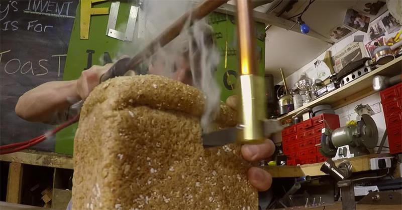 パンをトーストしながらスライスできるナイフを自作