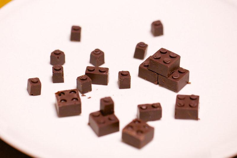 100%チョコレートで出来たLEGOを作ったパパ