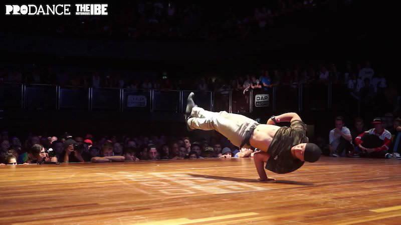 IBE 2015のIssei氏によるブレイクダンス