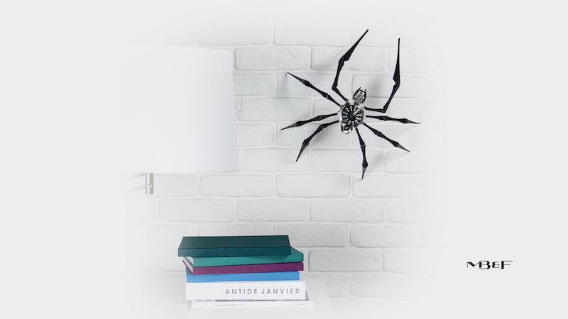 蜘蛛の形をした美しいデザインの時計