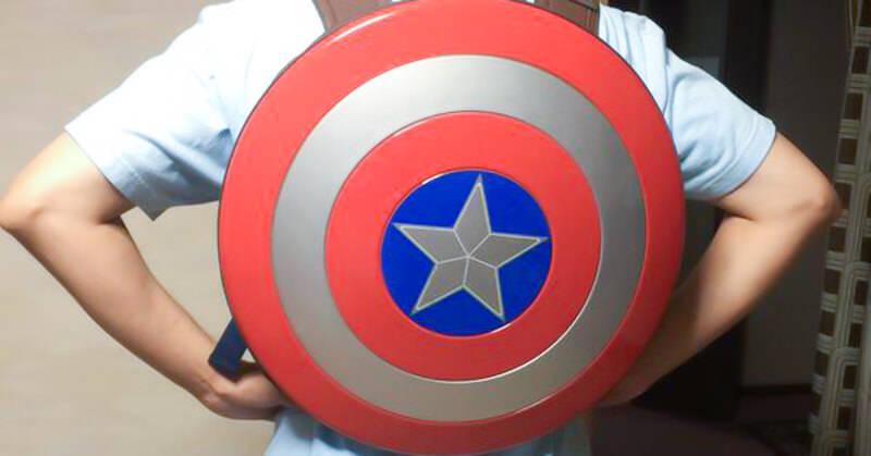 キャプテンアメリカシールドのバックパックをレビューして頂きました!