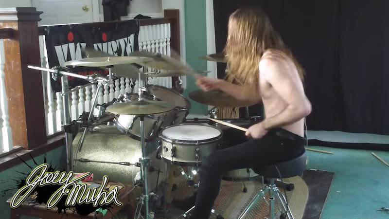 マリオの音楽をメタルに奏でるとこうなりますよ Joey Muha