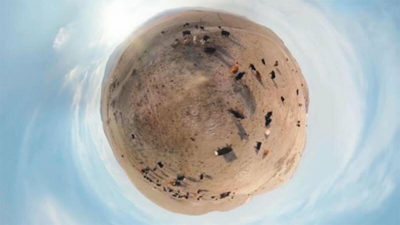 360度カメラが写し出す、小さな惑星が美しいミュージックビデオ