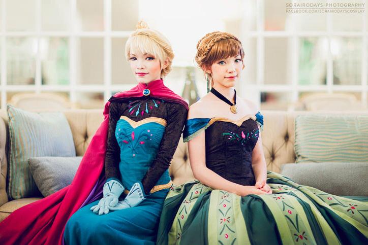 anna-and-elsa-coronation03