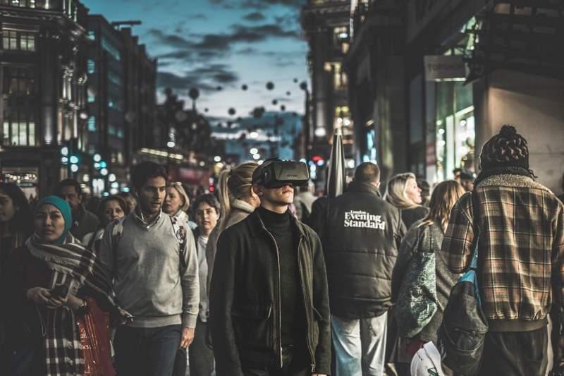 将来の町並みに、こういう人たちがいそうな気がする
