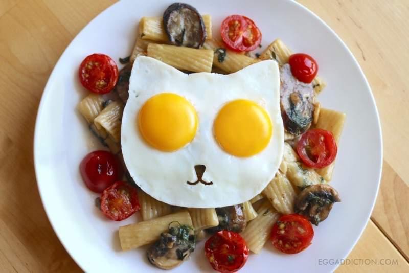 ニャンともカワイイ!ネコさんの形に焼ける目玉焼きモールド
