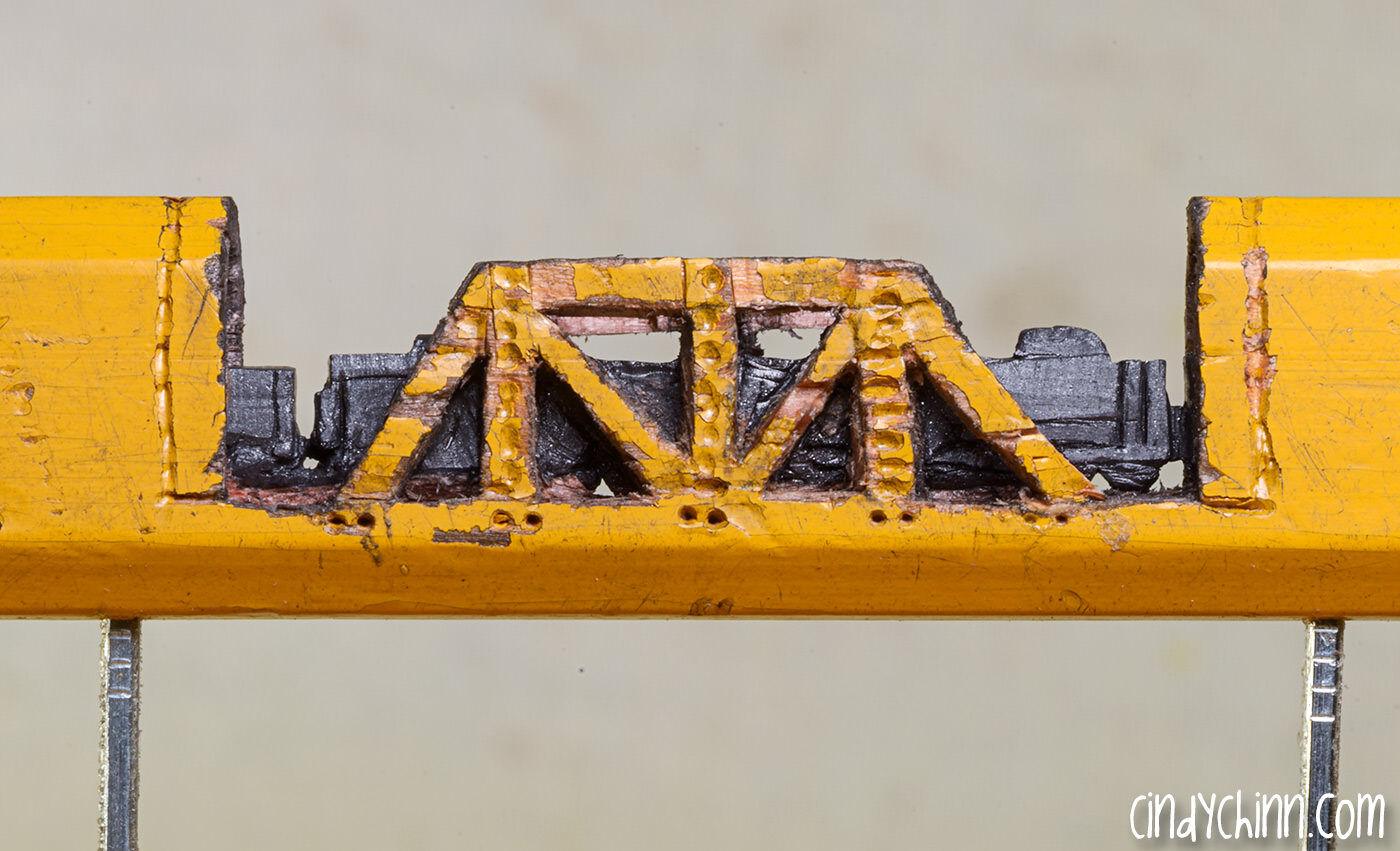鉛筆の芯で作られた列車がめちゃくちゃ細かい