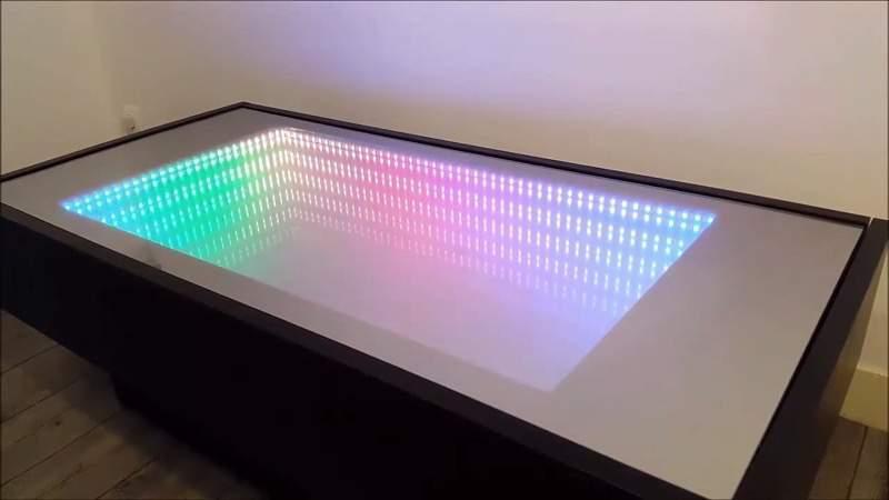IKEAのテーブルを改造して、無限のLEDを楽しめるものに改造!