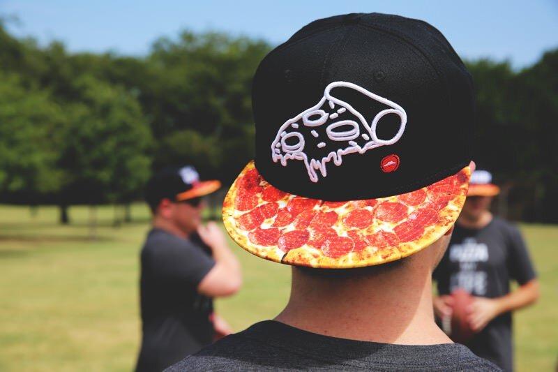 ピザ好きにはたまらないであろうピザだらけのファッション!