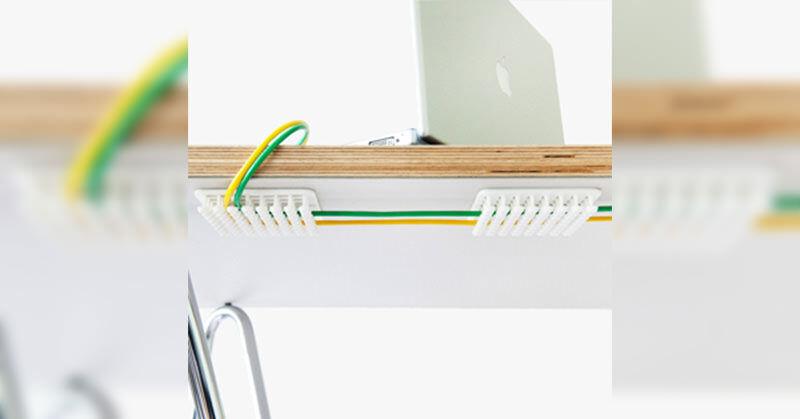 机の下でケーブルを集めてくれる素敵なヤツ:CABLE ORGANIZER