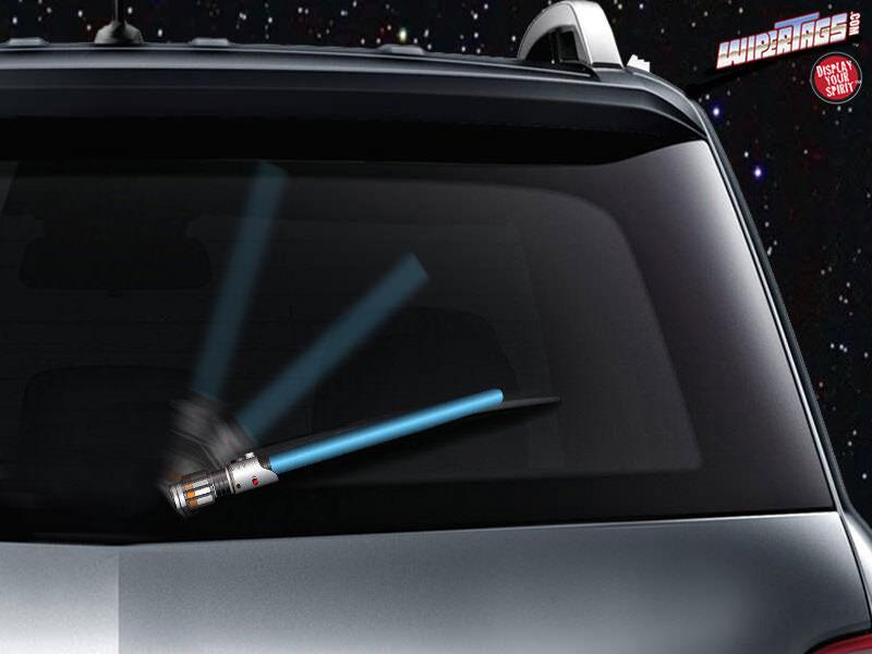 車のワイパーをあの武器に換えればユーモアタップリな車に!