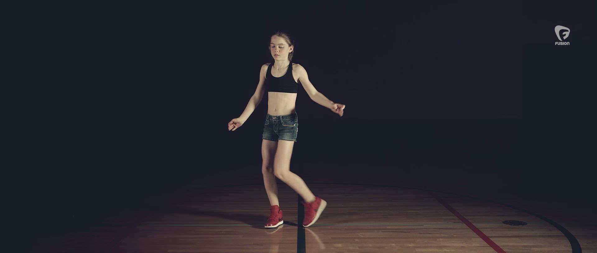 12才の少女がダブステップダンスをマスターしたのはYouTubeのおかげだった