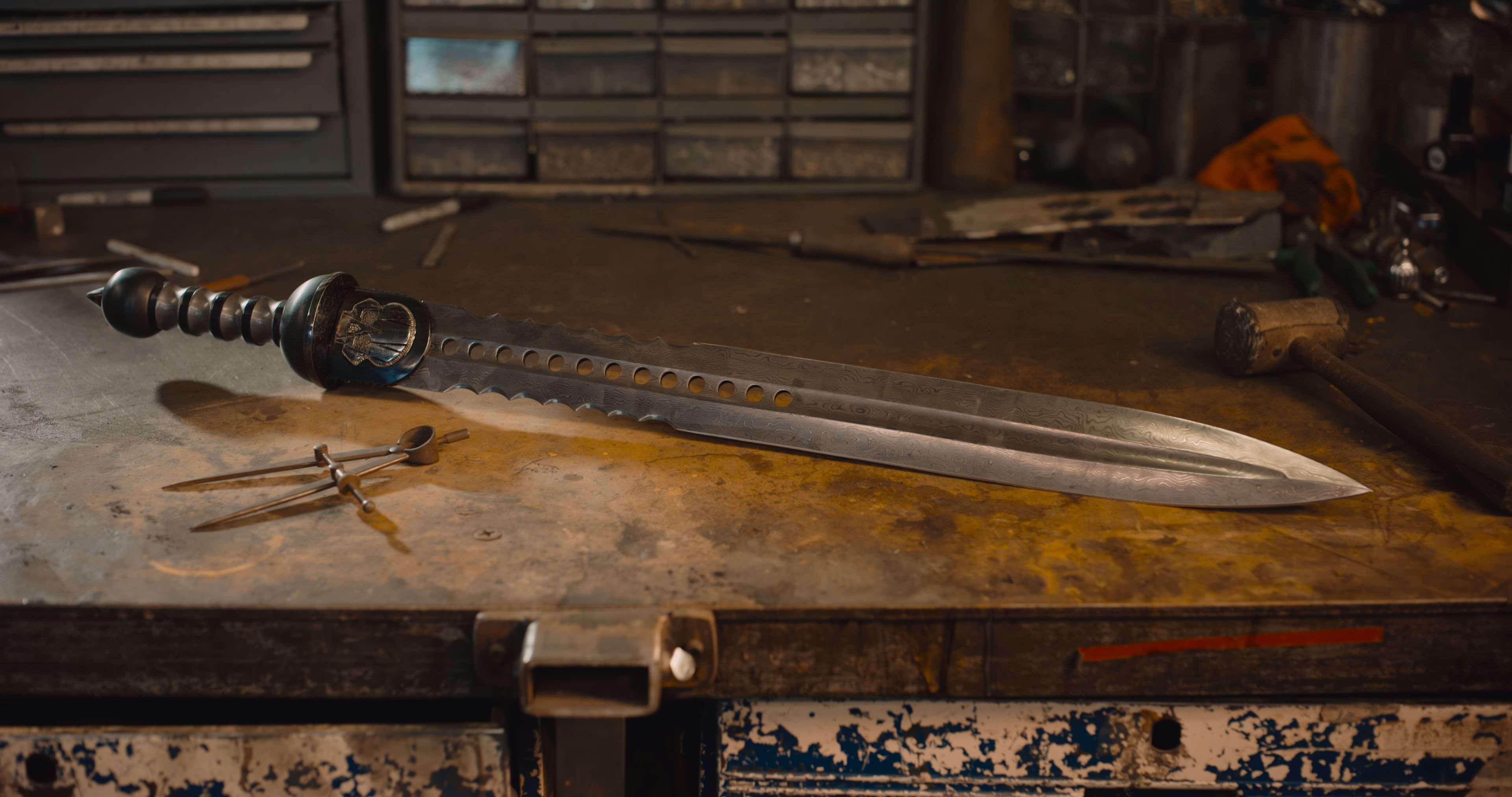 ダマスカスソードが造られる8Kの美しい映像