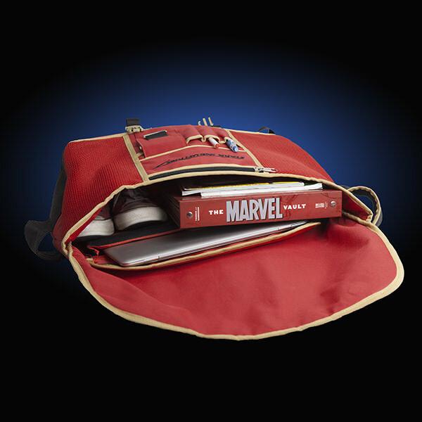 itnn_iron_man_messenger_bag_inside