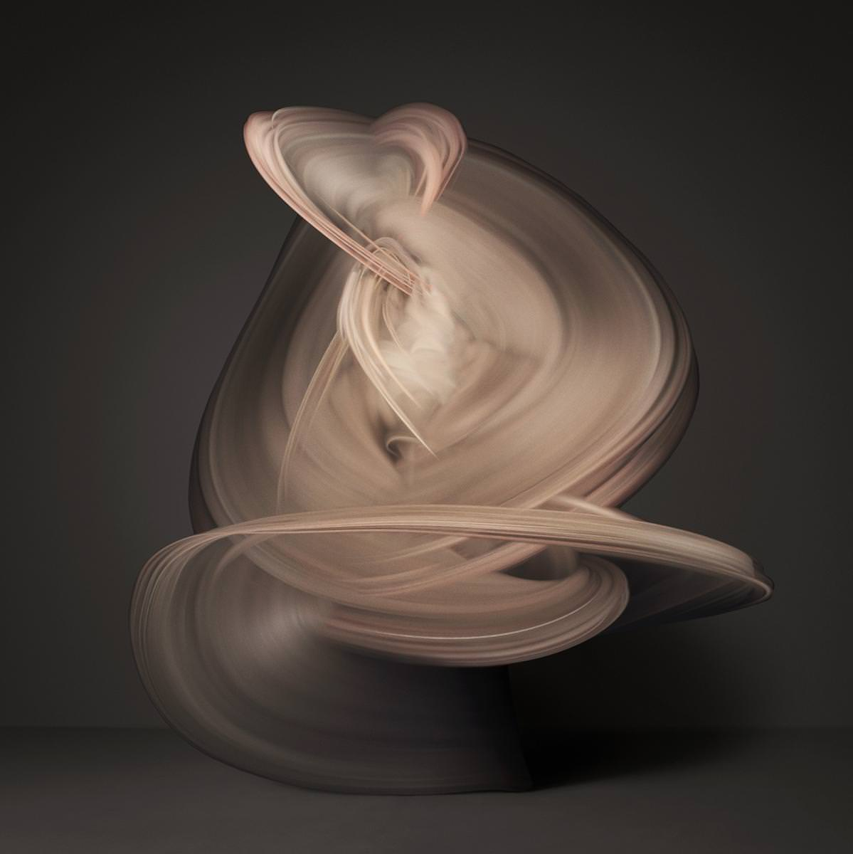 裸体をとても美しい形で表現した写真:SHINICHI MARUYAMA