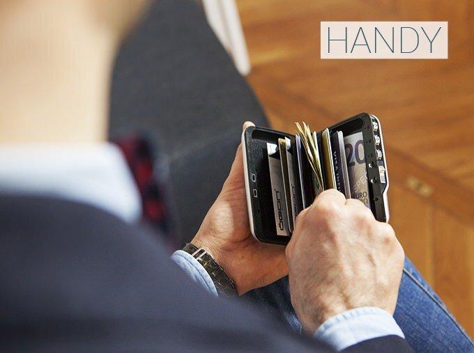 暗証番号ロック機能付きの財布:MINI SAFE