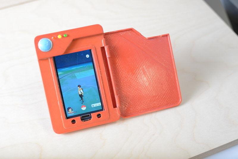 ポケモンGOをやるためにポケモンずかん型のケースを自作する、しかもバッテリー内蔵
