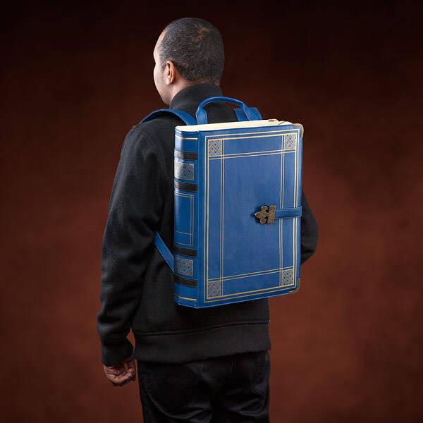 Iqqm olde booke backpack inuse