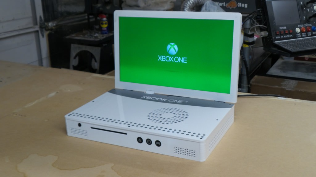 スリムになったXBOX ONE S、さっそくラップトップにされる