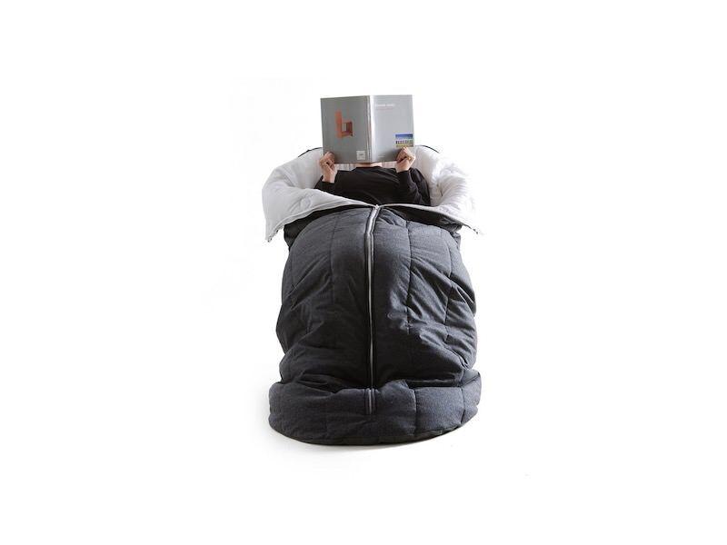 寝袋完備の完全に寝れる椅子:Cocon