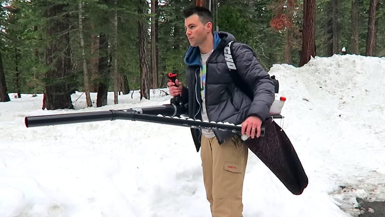 雪合戦で大活躍!?雪玉マシンガンの作り方!