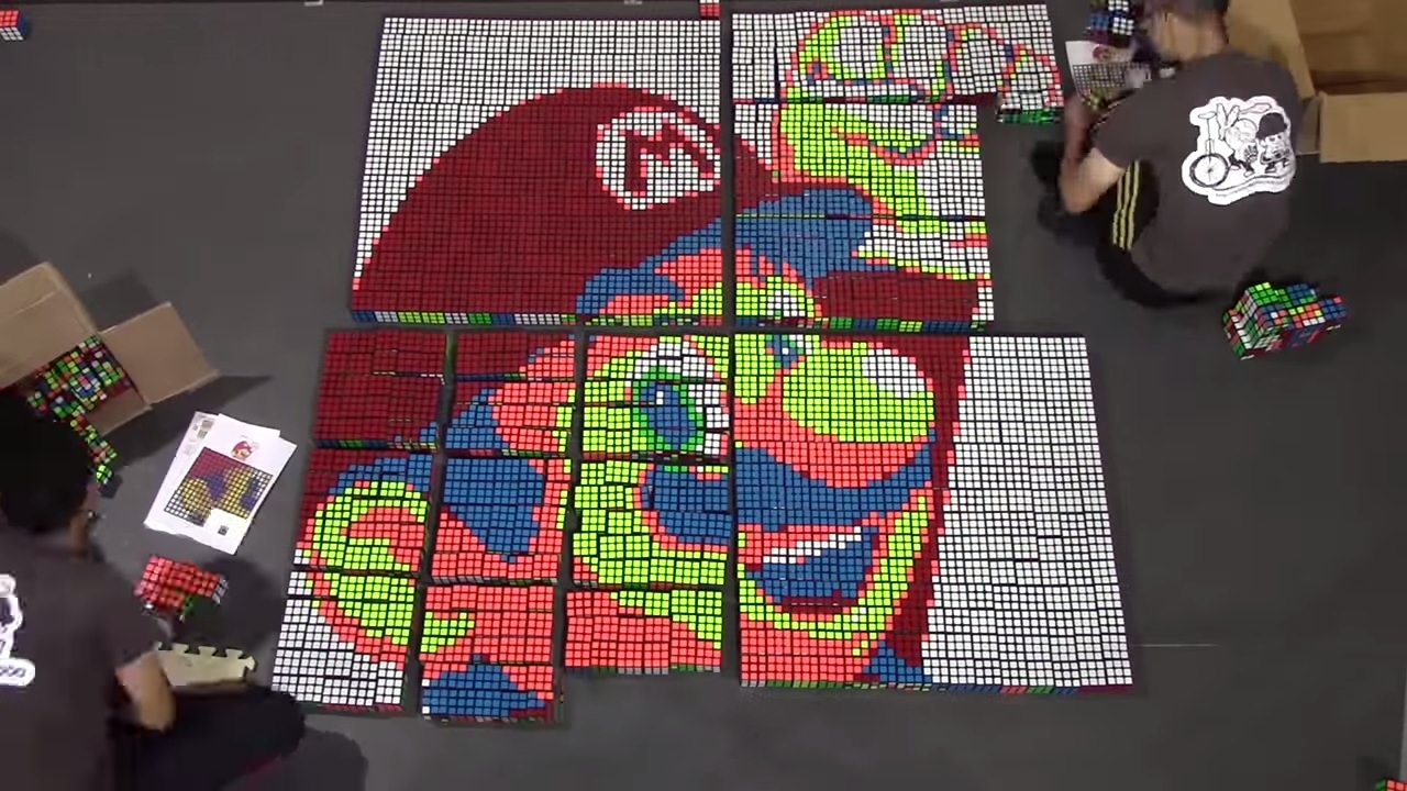 1009個のルービックキューブで作られたマリオがスゴイ