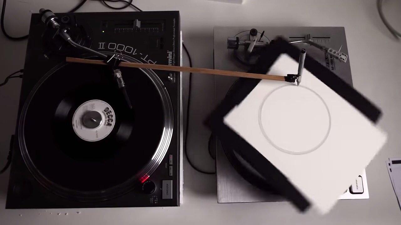 レコードの音をペンで書きながらトレースする装置