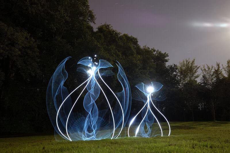 ライトペインティングのプロによる美しい光の花:Hannu Huhtamo