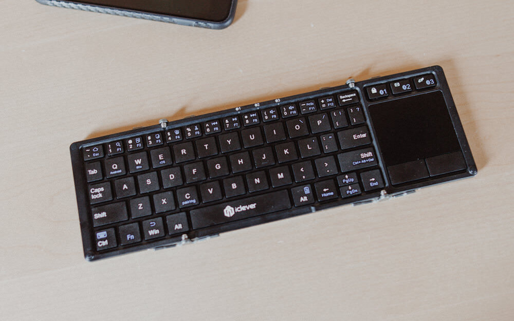 Icleverbluetoothkeyboardwithtouchpad IMG 2618