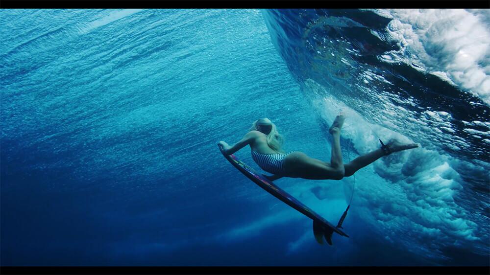 サーファーやダイバーが見る海の世界を4Kで撮影:Water Ⅱ