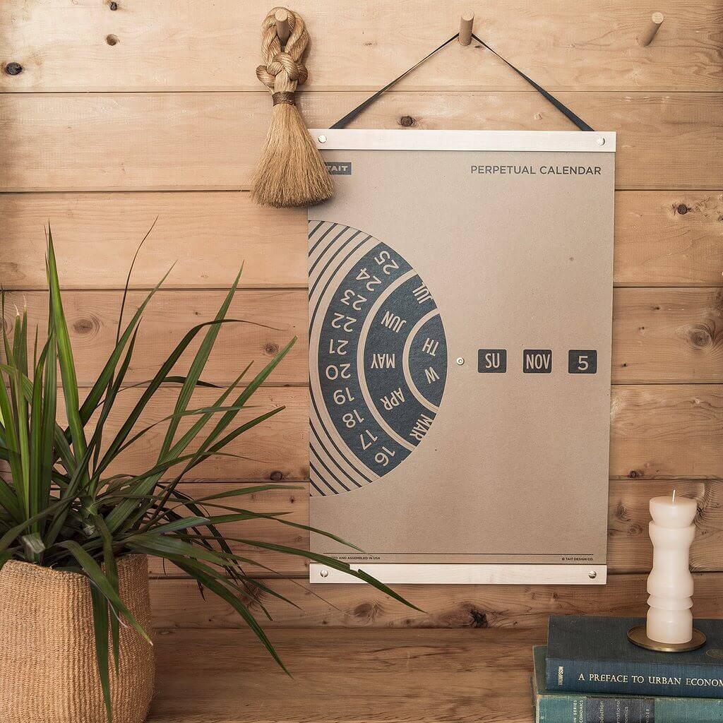 ずーっと使える回転式の壁掛けカレンダー:Perpetual Wall Calendar
