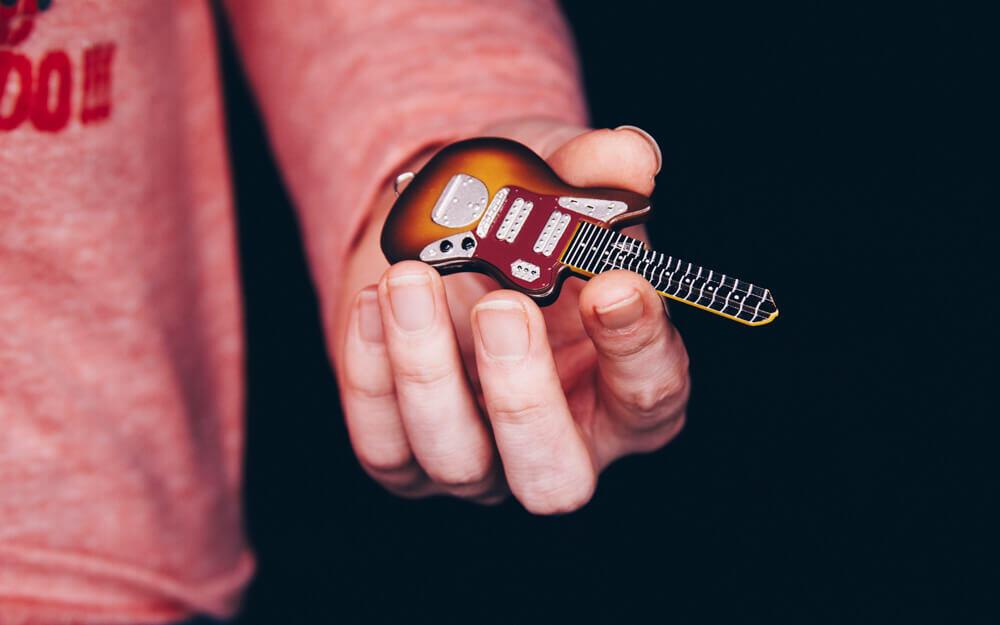 鍵にも「ロック」な味付けをするギター型デザインキー:HEAD ROCK