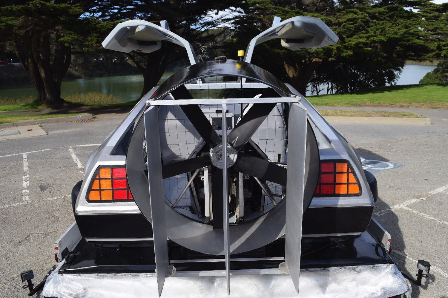 Delorean Hovercraft 3